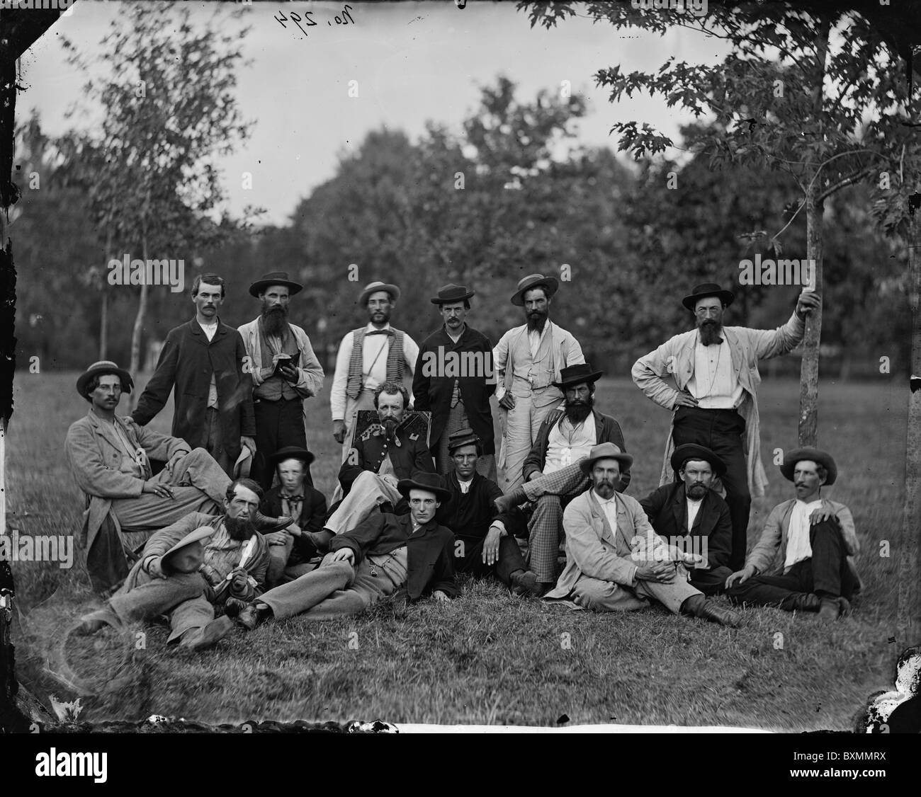 Scouts and guides, Army of the Potomac reconnaissance cloak and dagger glass plate negative fashion 1860s hats men - Stock Image