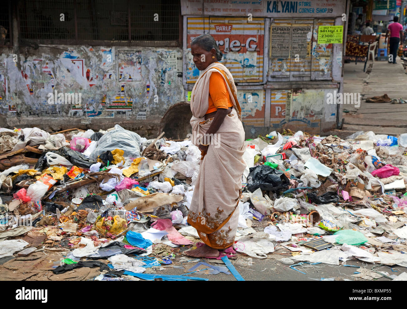 Garbage problem in the streets of Pondicherry, Tamil Nadu, India - Stock Image