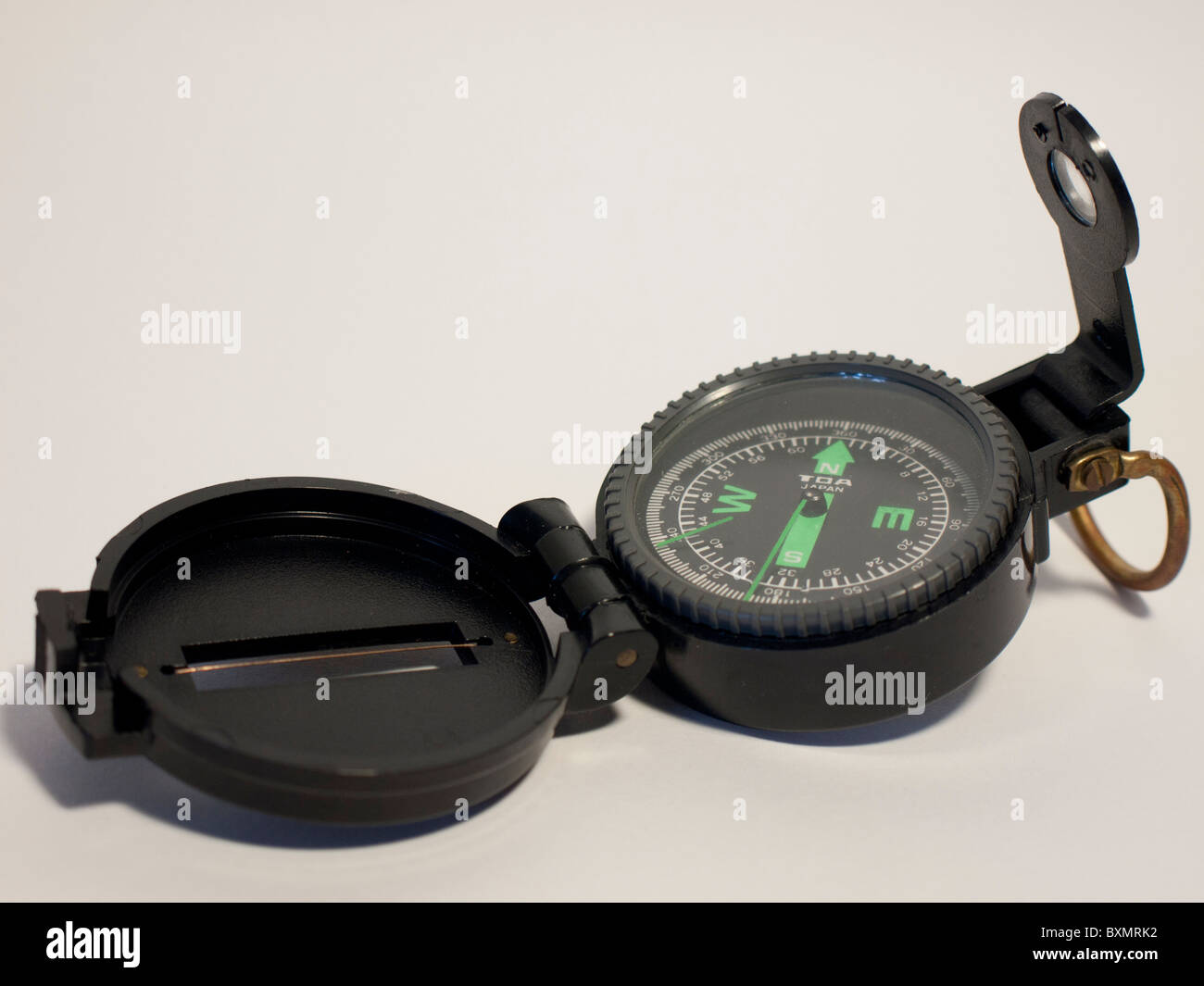TOA lensatic fluid compass with lid cover - Stock Image