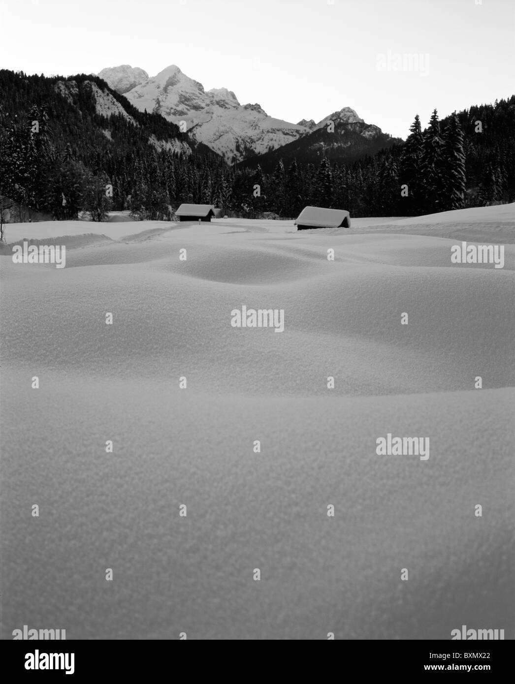 Snow-covered mountain pasture in the Wettersteingebirge (Alps) nearby Garmisch-Partenkirchen, Bavaria, Germany - Stock Image
