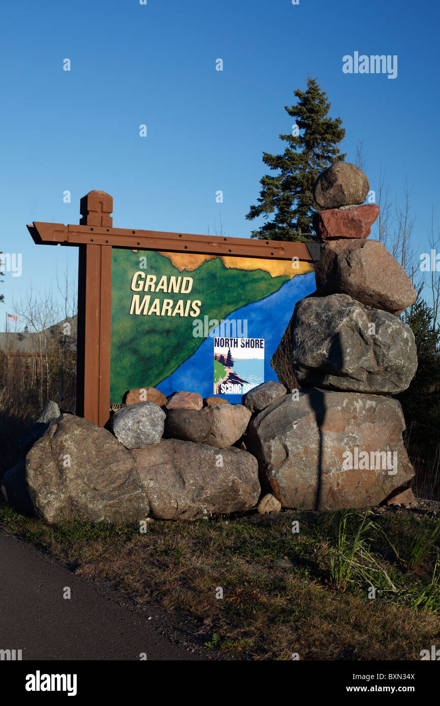 Sign at the entrance to the town of Grand Marais, Minnesota. - Stock Image