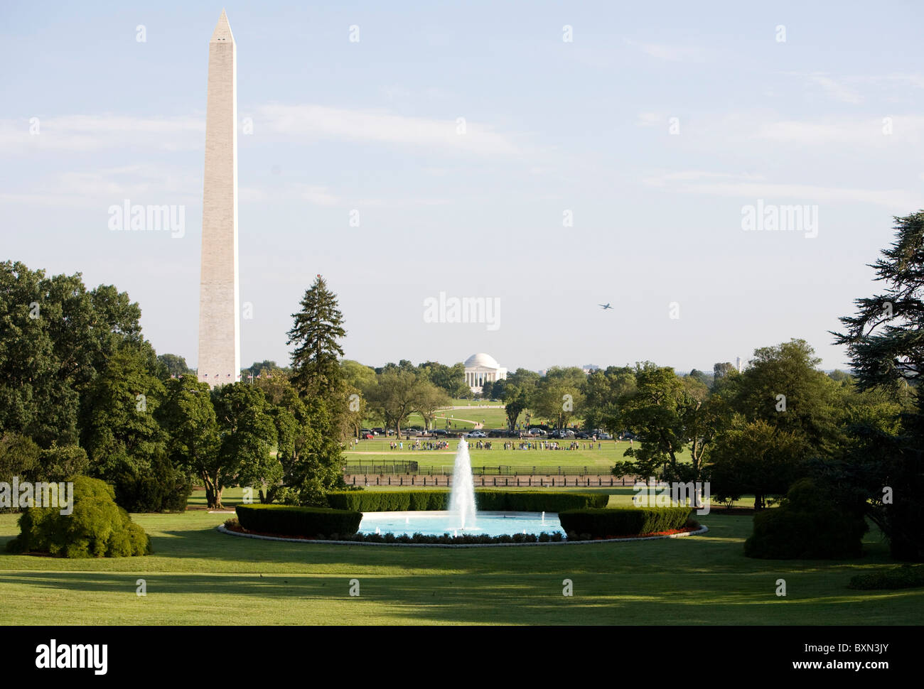 A view of the Washington Monument from the South Lawn of the White House. - Stock Image
