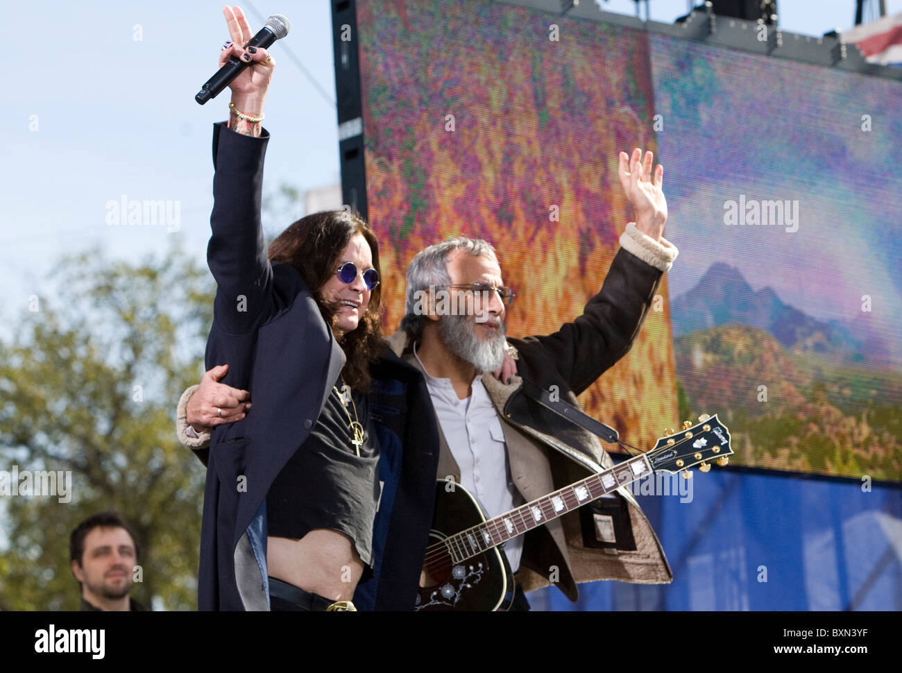 Yusuf Islam (Cat Stevens) and Ozzy Osbourne at the Rally to Restore Sanity And/Or Fear. - Stock Image
