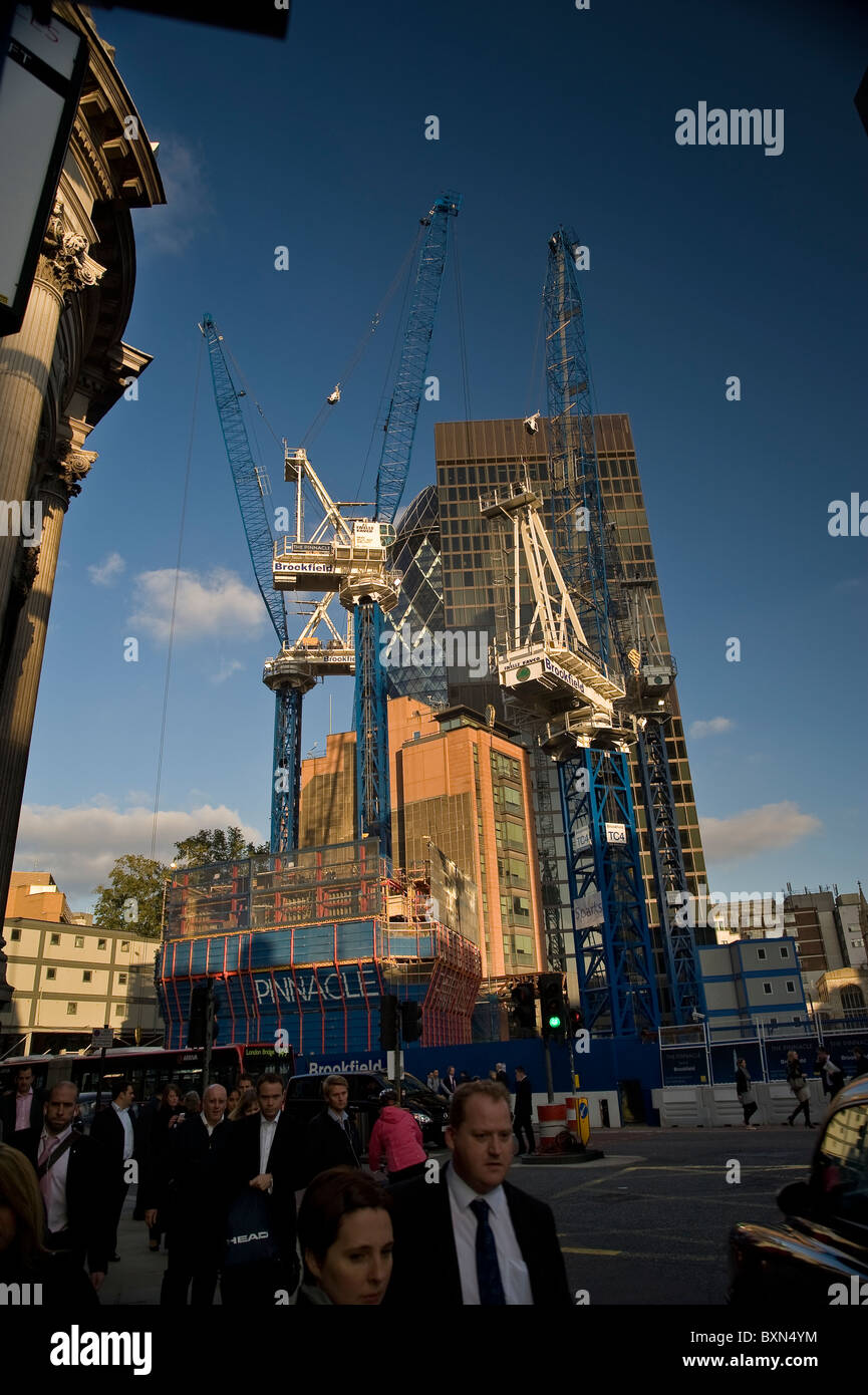 Bishopsgate and the new Pinnacle building under construction in the City of London, UK - Stock Image