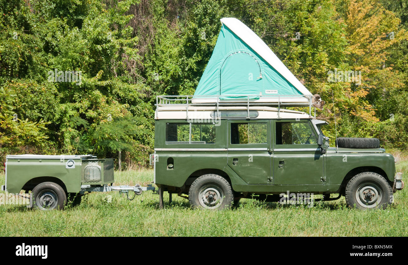 Land Rover Of Columbia >> Land Rover with roof top tent and trailer Stock Photo: 33656922 - Alamy