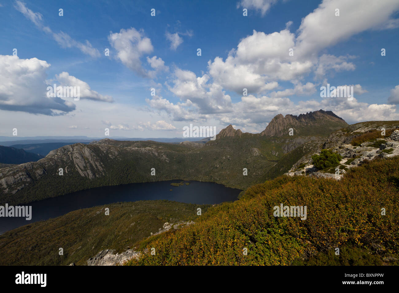 Dove Lake seen from a nearby ridge in Cradle Mountain National Park. - Stock Image
