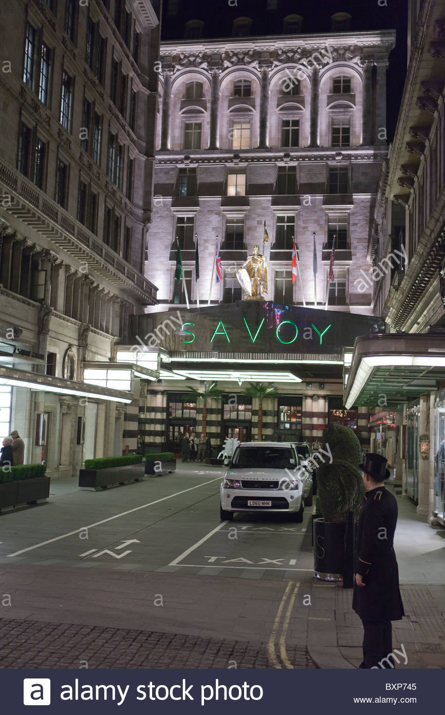 The Savoy at nightThe StrandLondonEngland - Stock Image : savoy doorman - pezcame.com