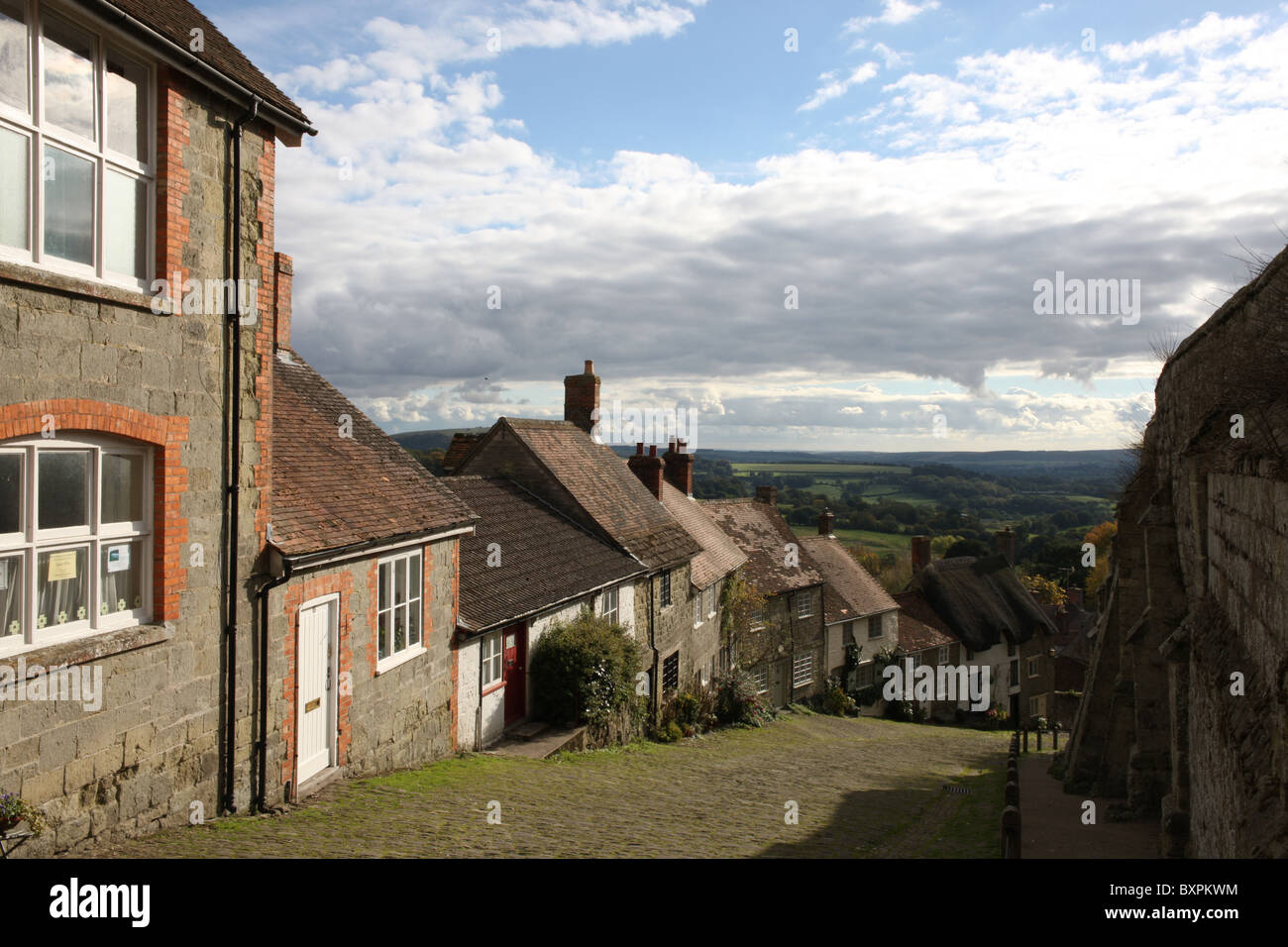 Gold Hill, shaftesbury, dorset. location of Uk 'Hovis' bread T.V. advert. - Stock Image