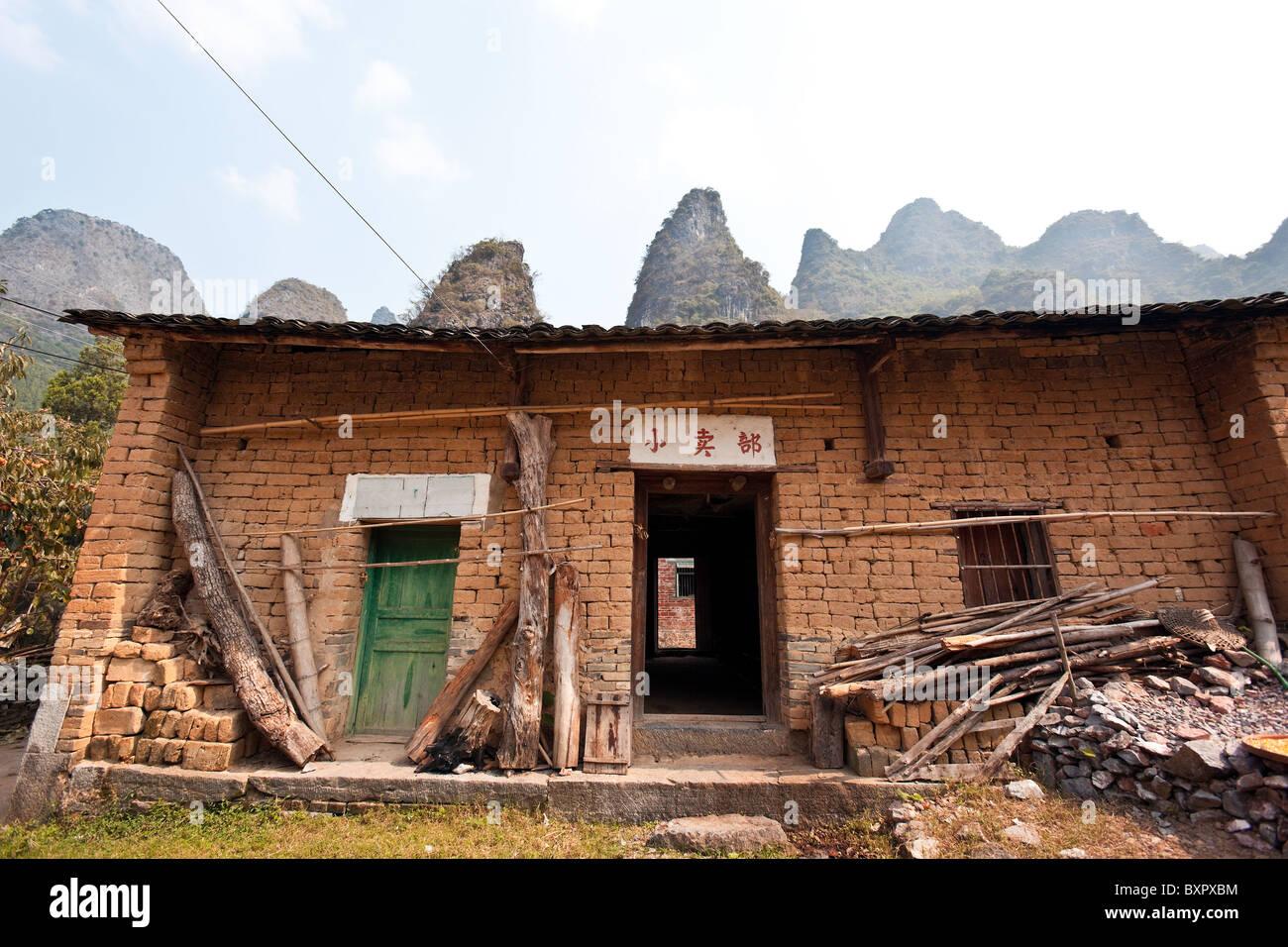 China, Guangxi Province, Yangshuo. Local house. Stock Photo