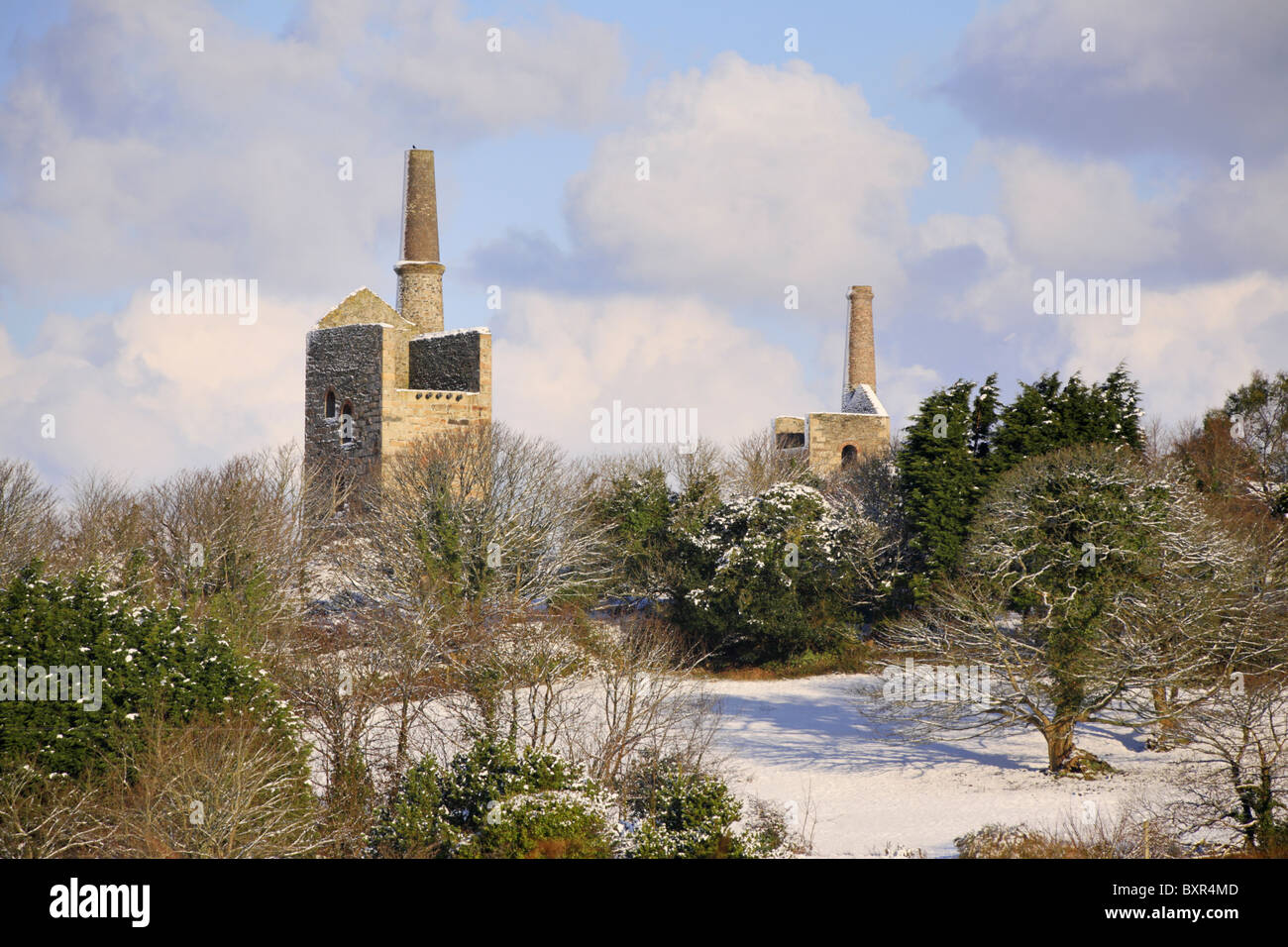 WHEAL BUSH ENGINE HOUSES CAPTURED IN THE SNOW - Stock Image
