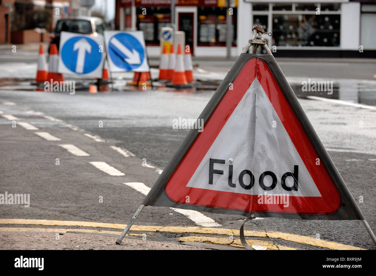 Flood road sign - Stock Image