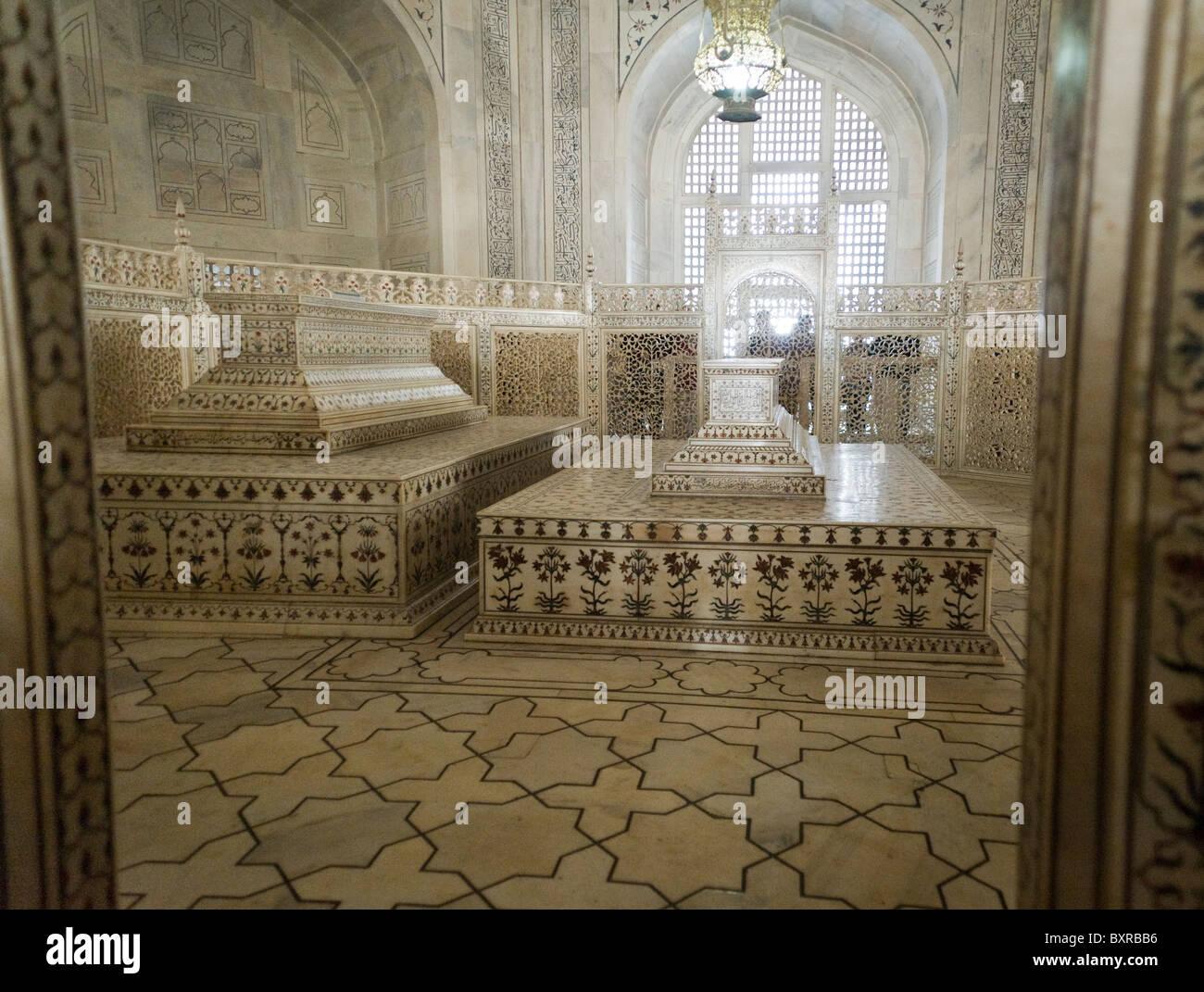 The Cenotaph Of Mumtaz Mahal And Shah Jahan Inside The Taj Mahal In Agra  India