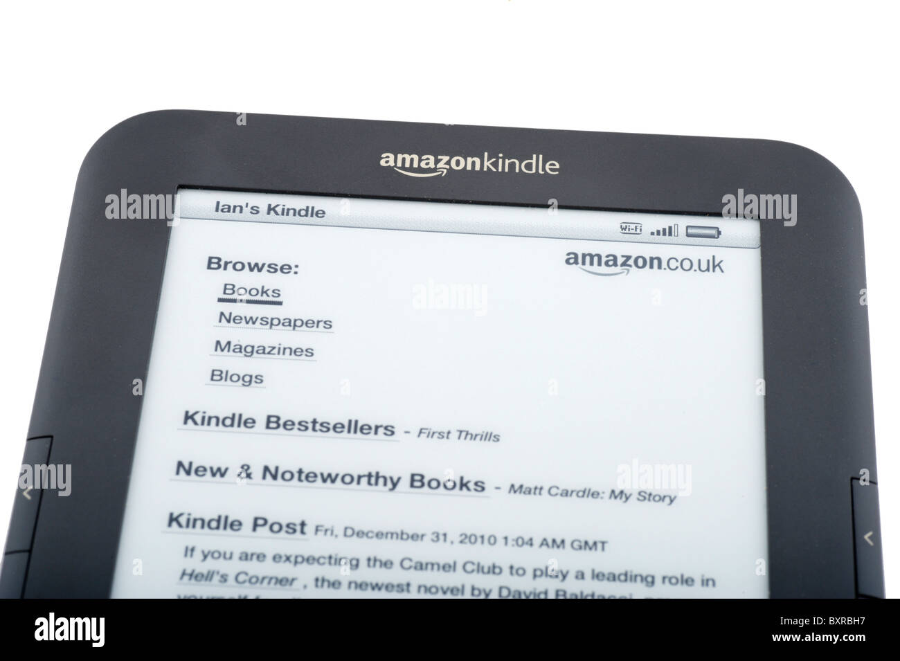 The 2010/11 Amazon Kindle ebook reader linked to the amazon.co.uk store via Wi-Fi, UK - Stock Image