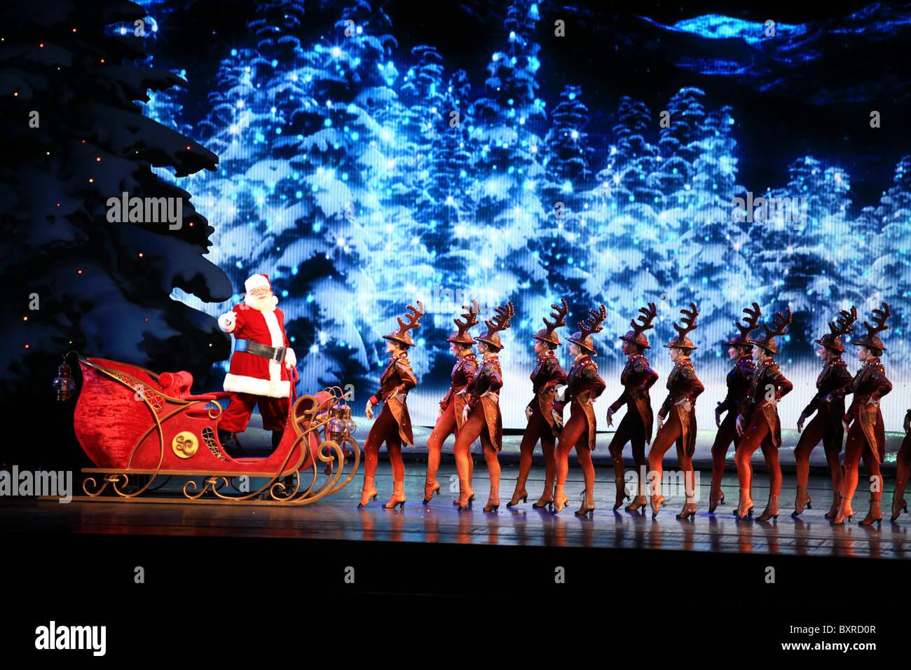 'Sleigh ride' scene - Radio city music hall Christmas spectacular show in New York city 2010 - Stock Image