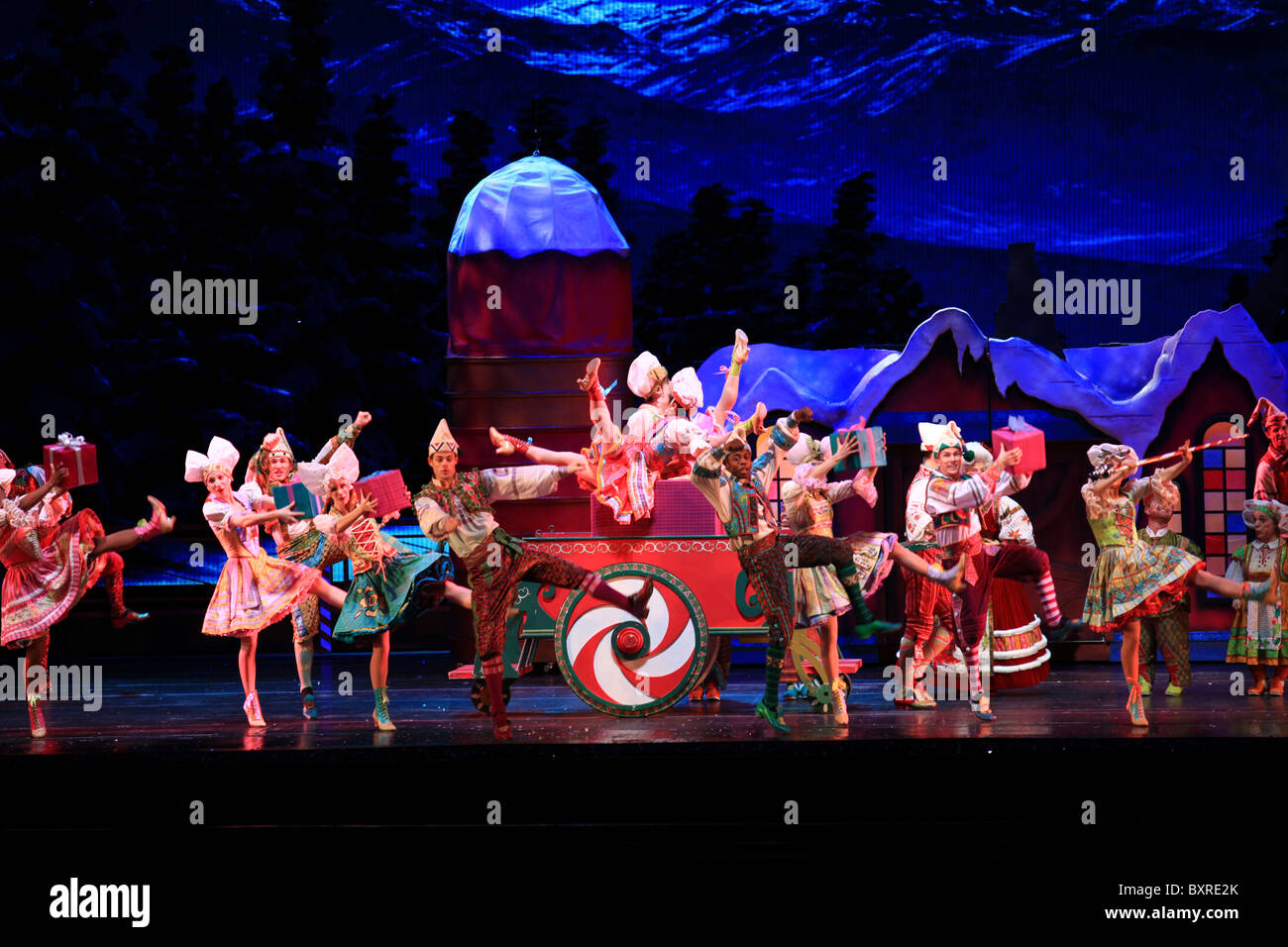 Radio city music hall Christmas spectacular show in New York city ...