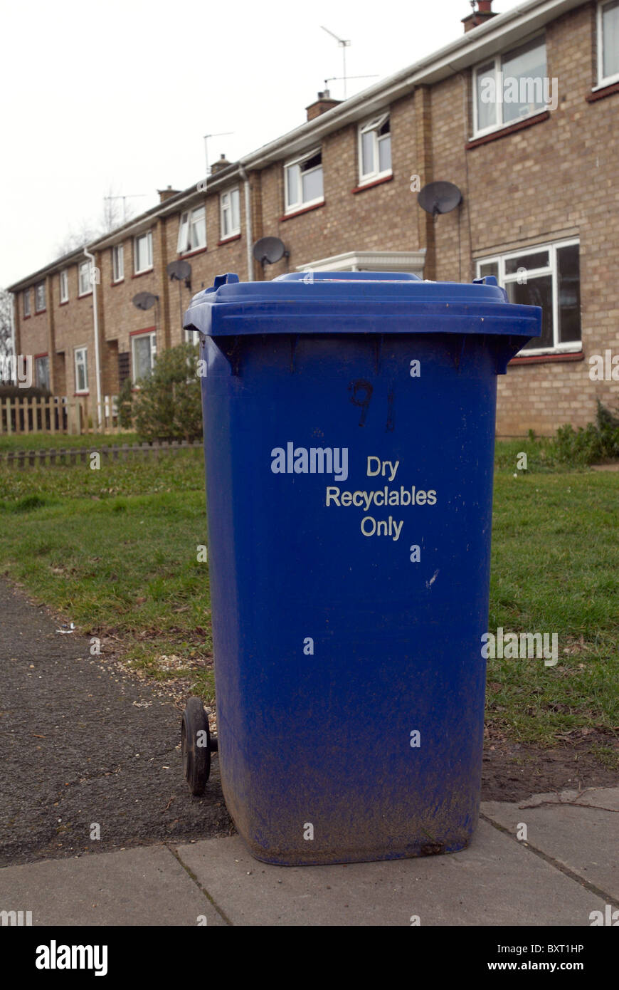Dry recycables only bin - Stock Image