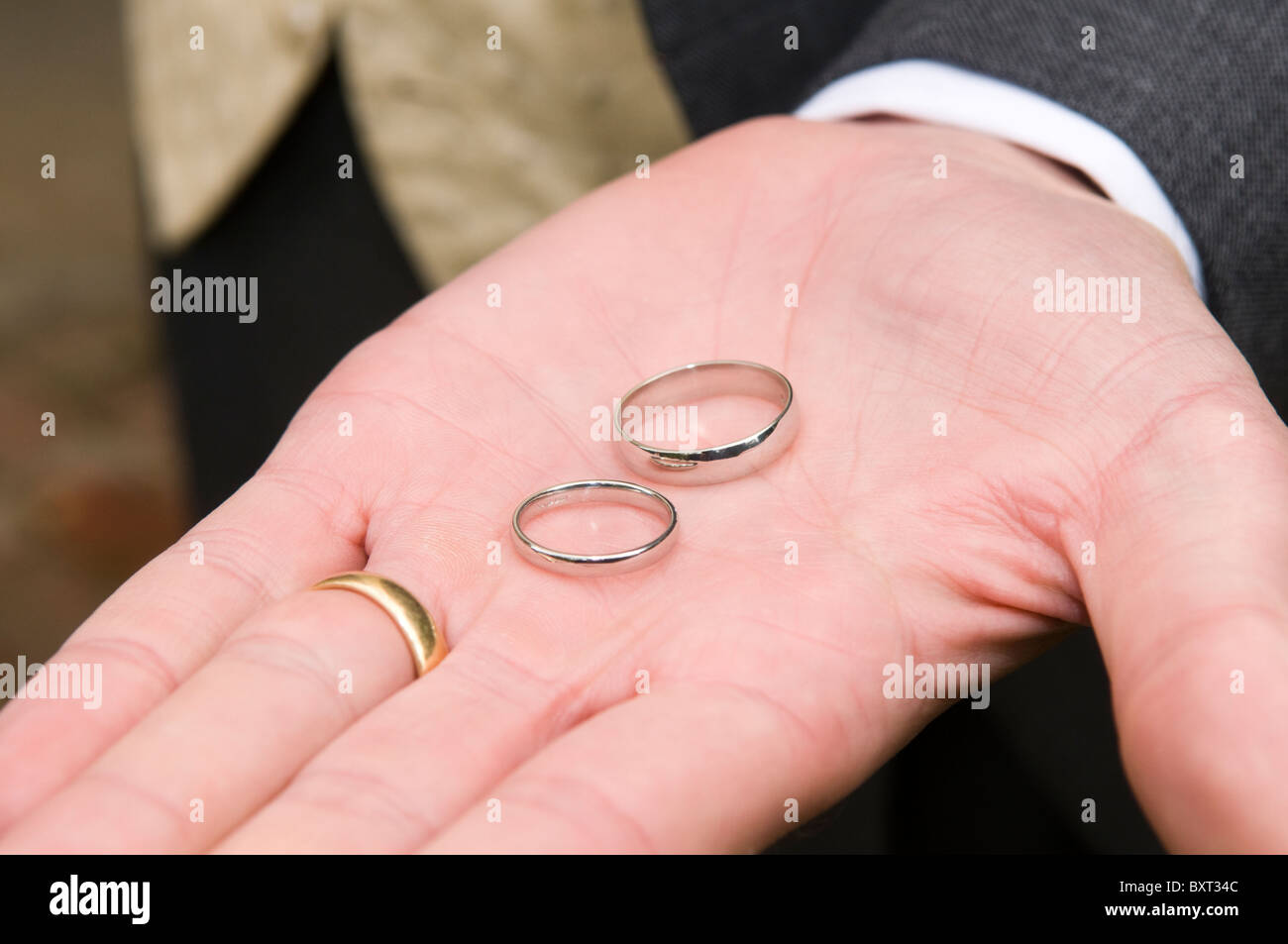 Wedding Rings In Palm Hand Stock Photos & Wedding Rings In Palm Hand ...