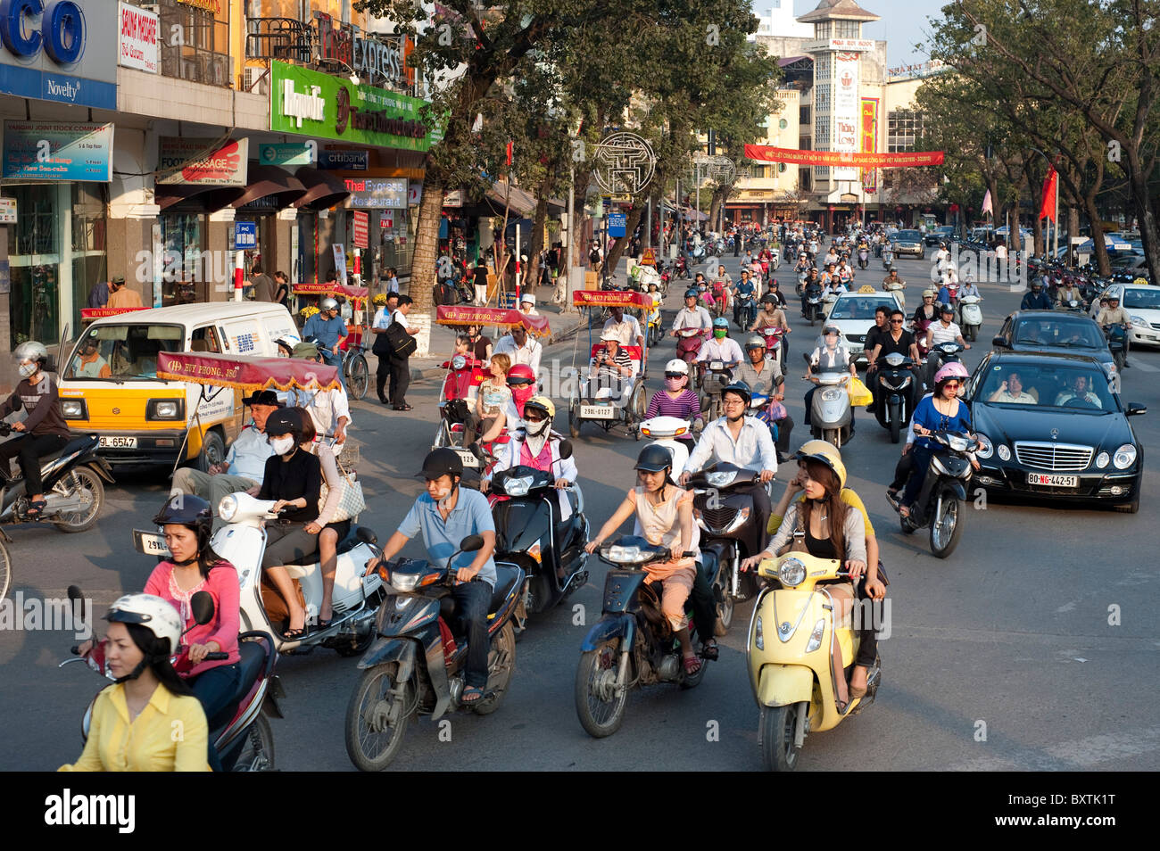 Motobikes fill the roads, Hanoi, Vietnam - Stock Image