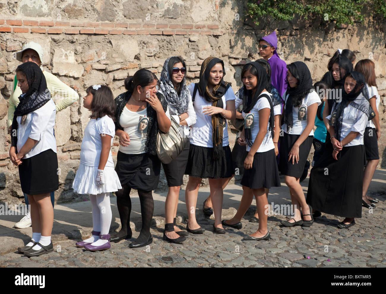 Girls in Antigua Guatemala