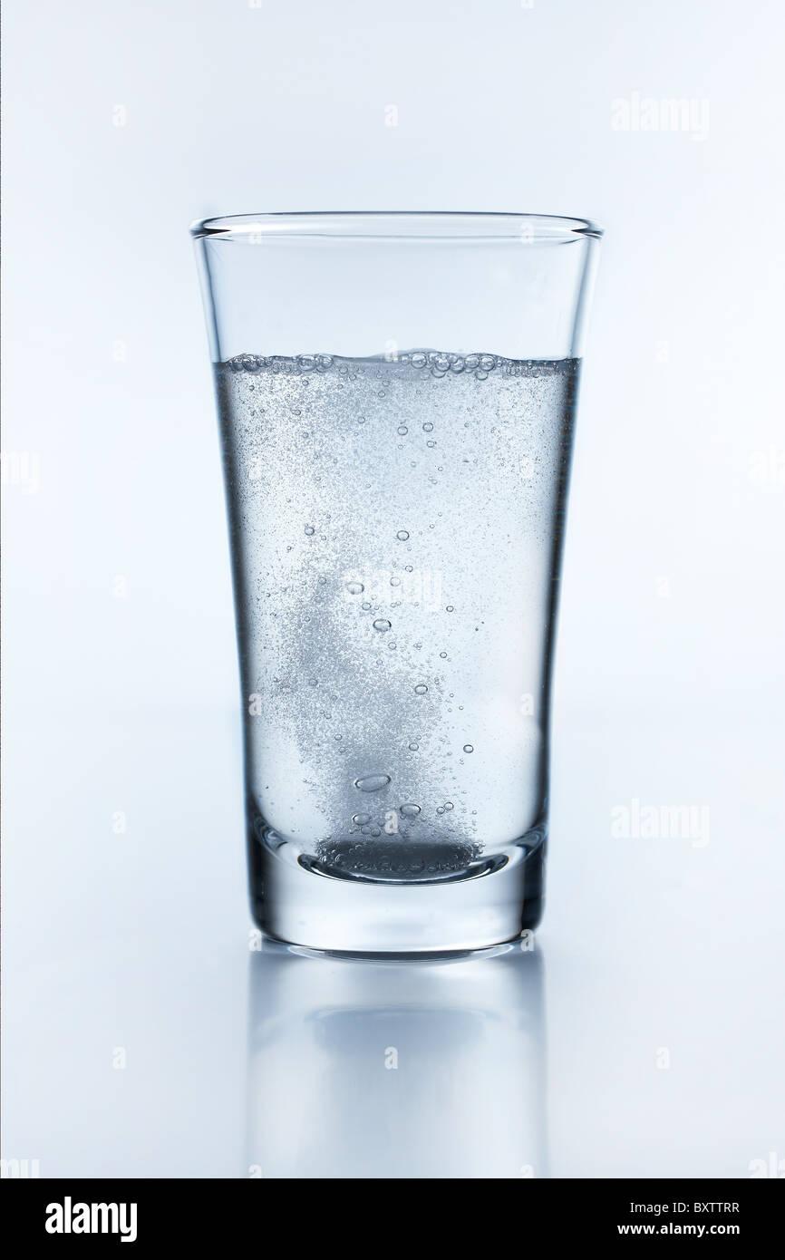 aspirin in water - Stock Image