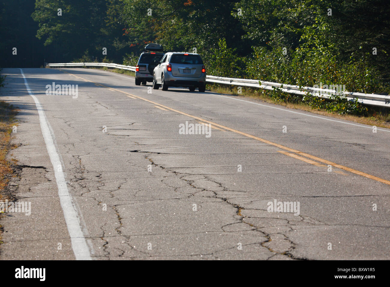 Pull Off The Road : Kancamagus scenic byway road stock photos