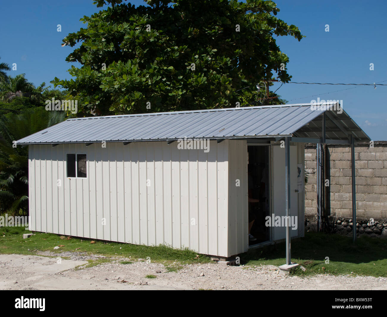 Transitional home designed by Reciprocal Ministries International to provide quake and hurricane safe homes in Haiti. - Stock Image
