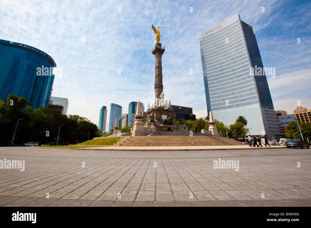 angel-de-la-independencia-on-paseo-de-la-reforma-in-mexico-city-BXW5R3.jpg