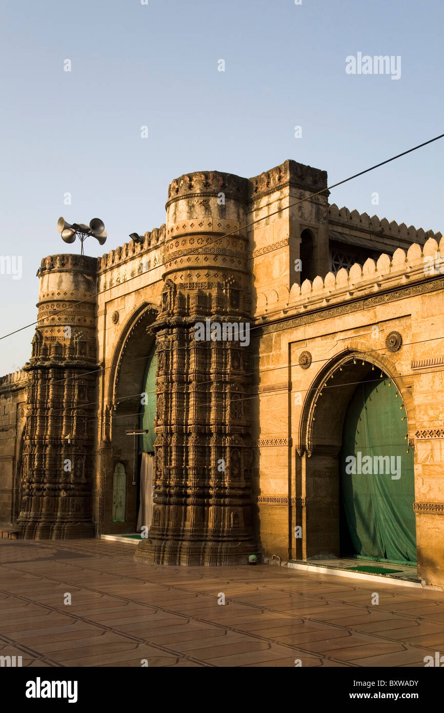 Qutbuddin's Mosque, also known as the Pattharwali Masjid, in Ahmedabad, Gujarat, India. - Stock Image