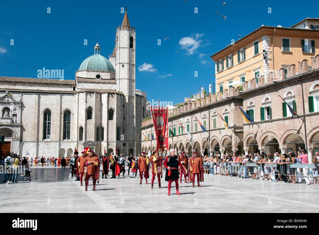 The festival of the Quintana in Piazza del Popolo, Ascoli Piceno, Le Marches - Stock Image