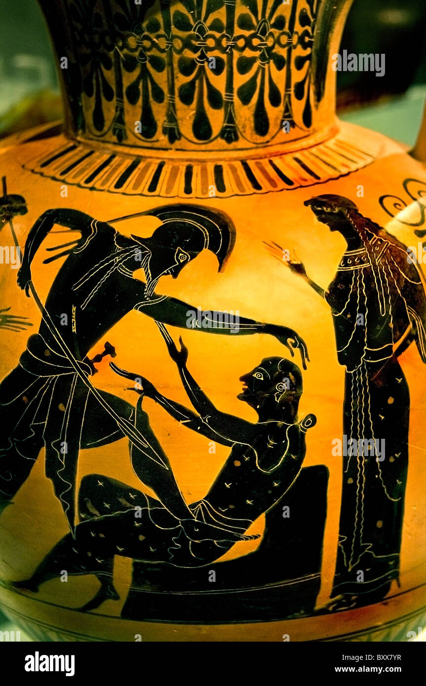 old King Priam of Troy get murdered amphora Homer Greeks and Trojans sowing death and destruction Agamemnon Mycene - Stock Image
