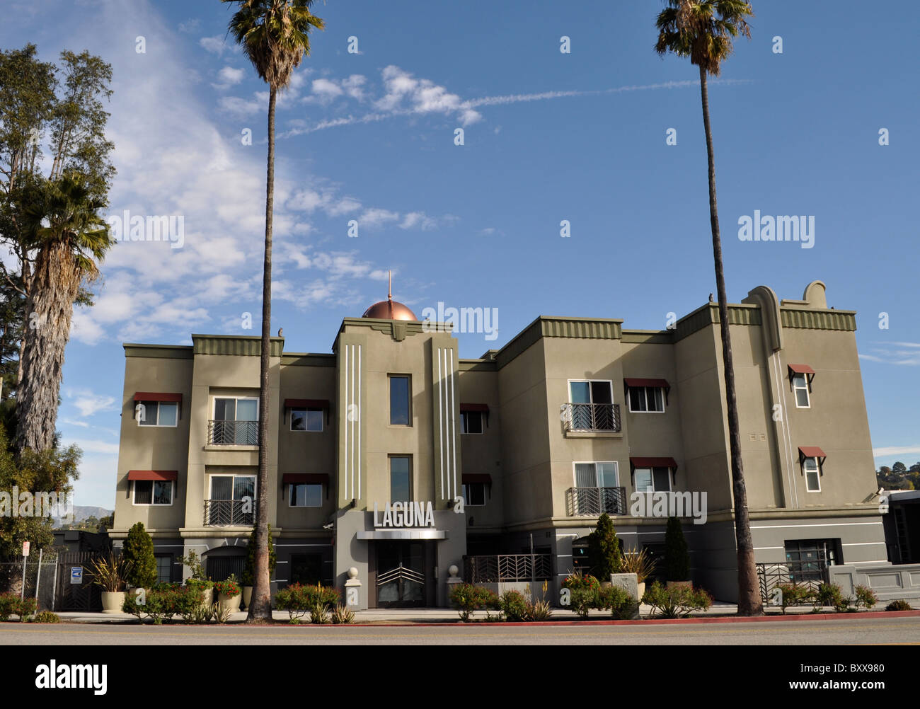 Laguna art deco apartments, Sunset boulevard, Los Angeles Stock ...