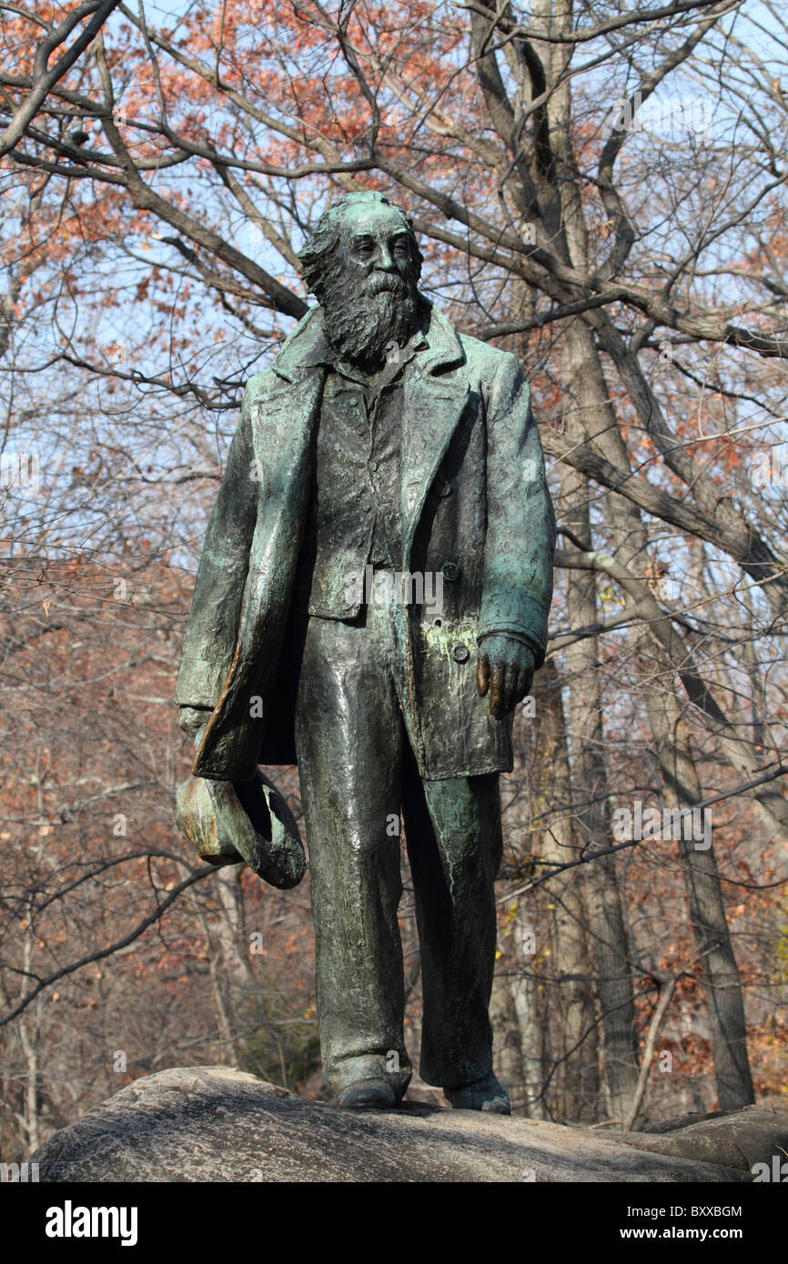 statue of the american poet walt whitman at the trailside museums