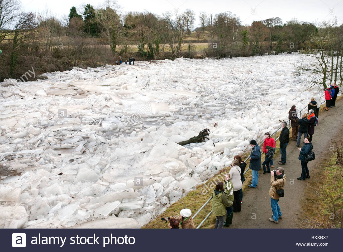 The River Ayr, Scotland frozen with pack ice - Stock Image
