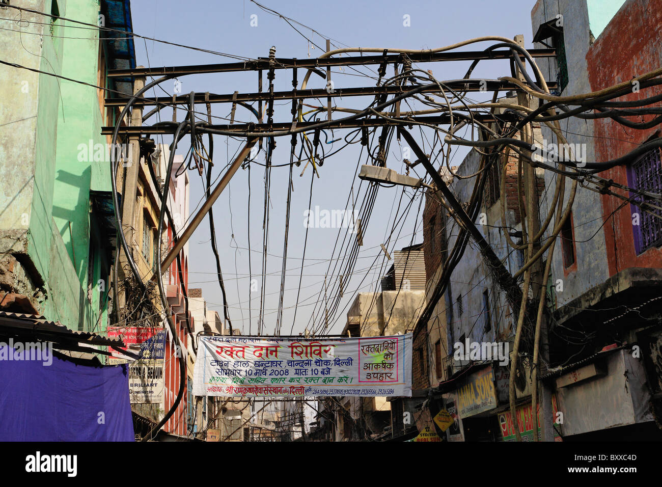unsafe electrical wiring in gulley delhi india stock photo rh alamy com Unsafe Electrical Lab Setup Electrical Gloves