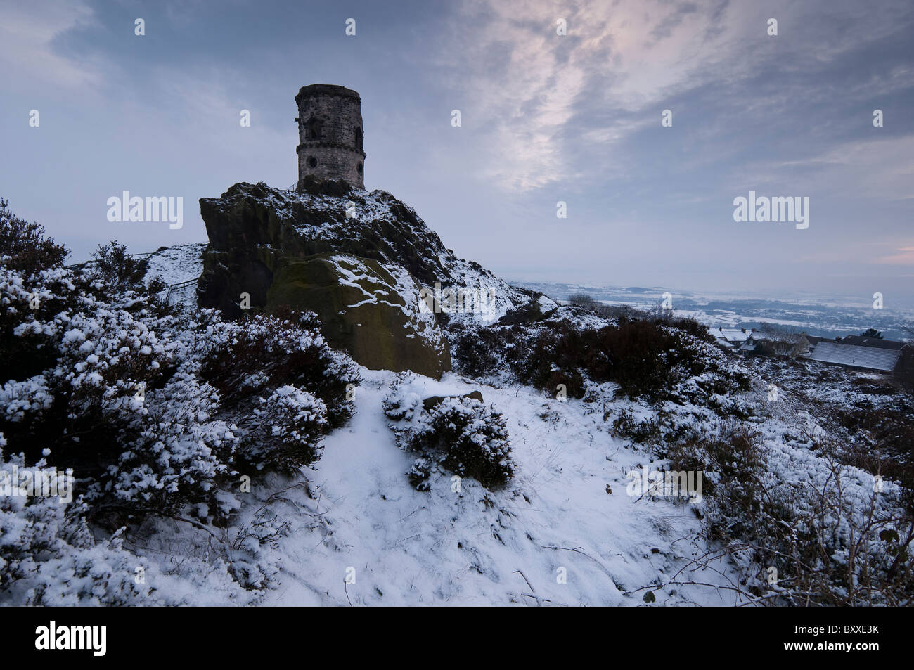 Winter evening at the folly of Mow Cop on the Staffordshire / Cheshire border - Stock Image