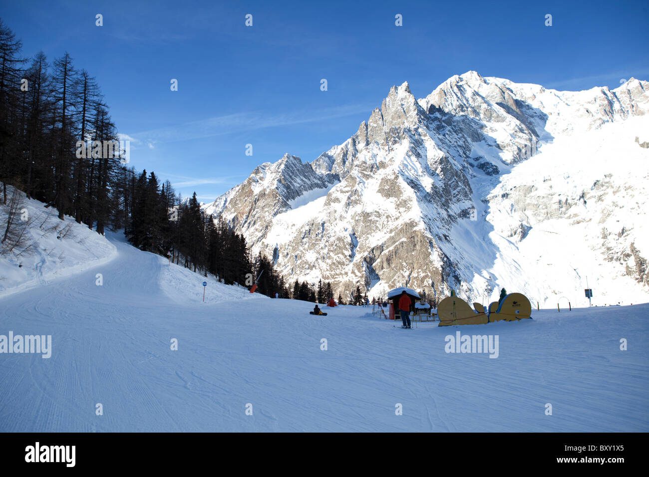 Val Veny slopes with view on Mont Blanc, Courmayeur , Valle d'Aosta, Italy - Stock Image