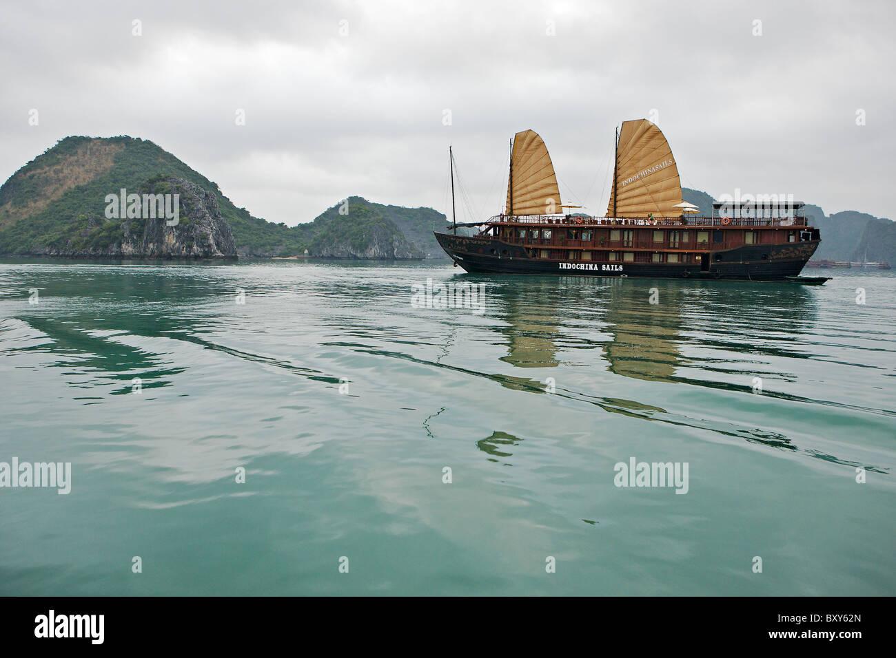 Junk in Halong Bay, north Vietnam - Stock Image