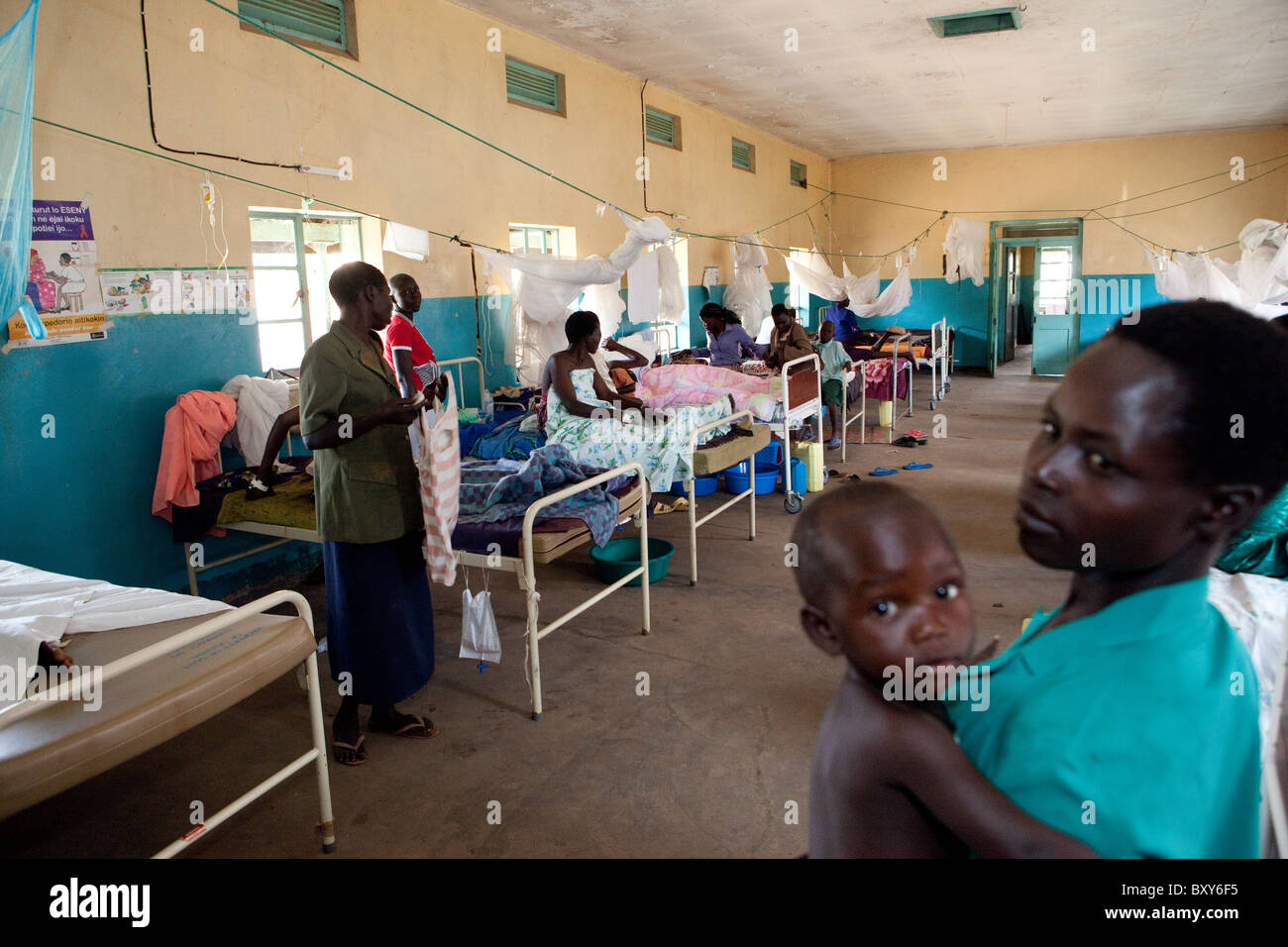 Women rest in the maternity ward at Amuria Health Centre IV - Amuria District, Uganda, East Africa. - Stock Image