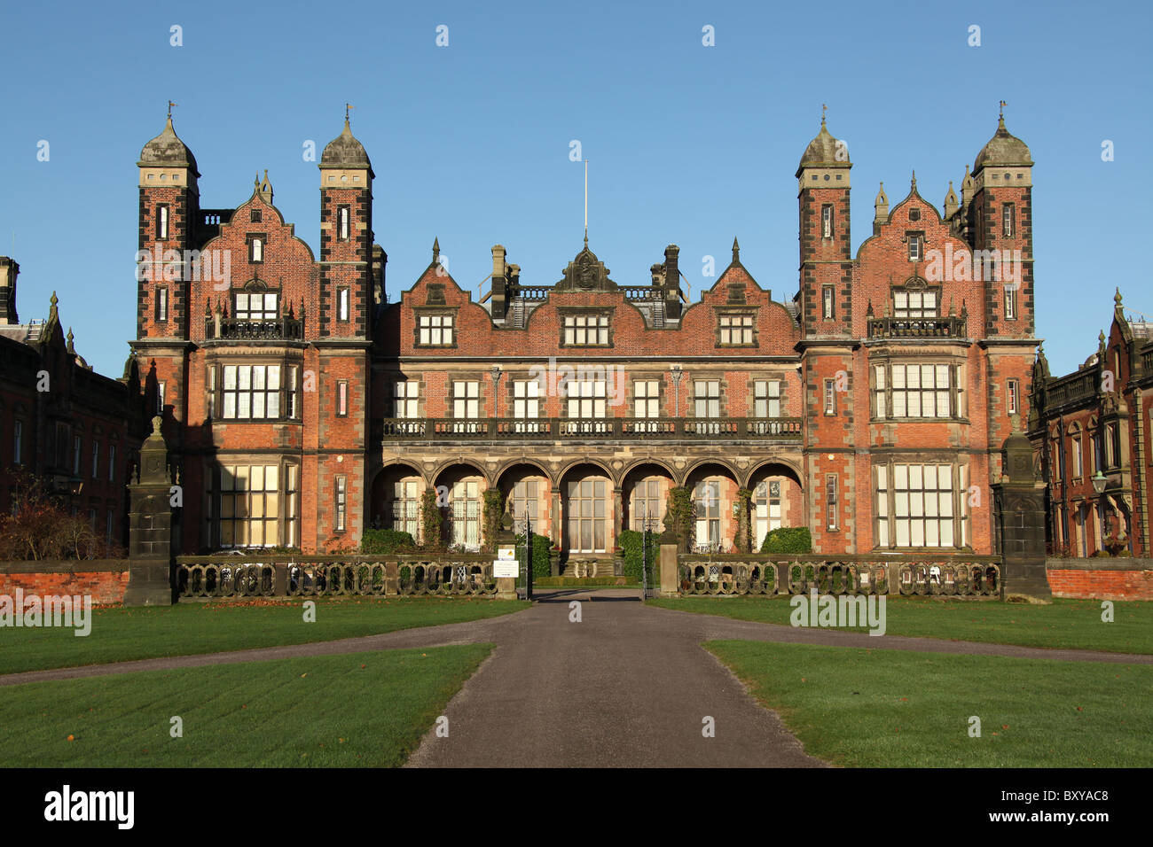 Capesthorne Hall, England. Autumnal view of Capesthorne Hall Stock ...