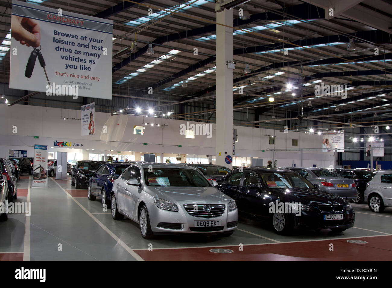 Used Car Dealers London >> Carcraft Used Car Showroom Enfield London Stock Photo 33802685