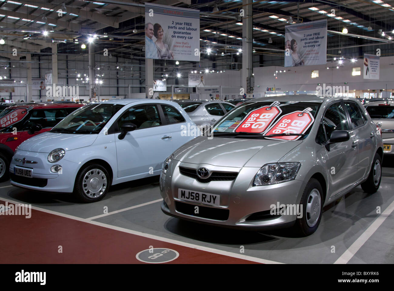 Used Car Dealers London >> Carcraft Used Car Showroom Enfield London Stock Photo
