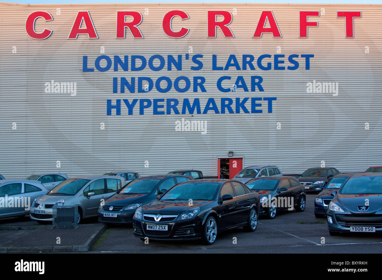 Used Car Dealers London >> Car Showroom Uk Stock Photos Car Showroom Uk Stock Images