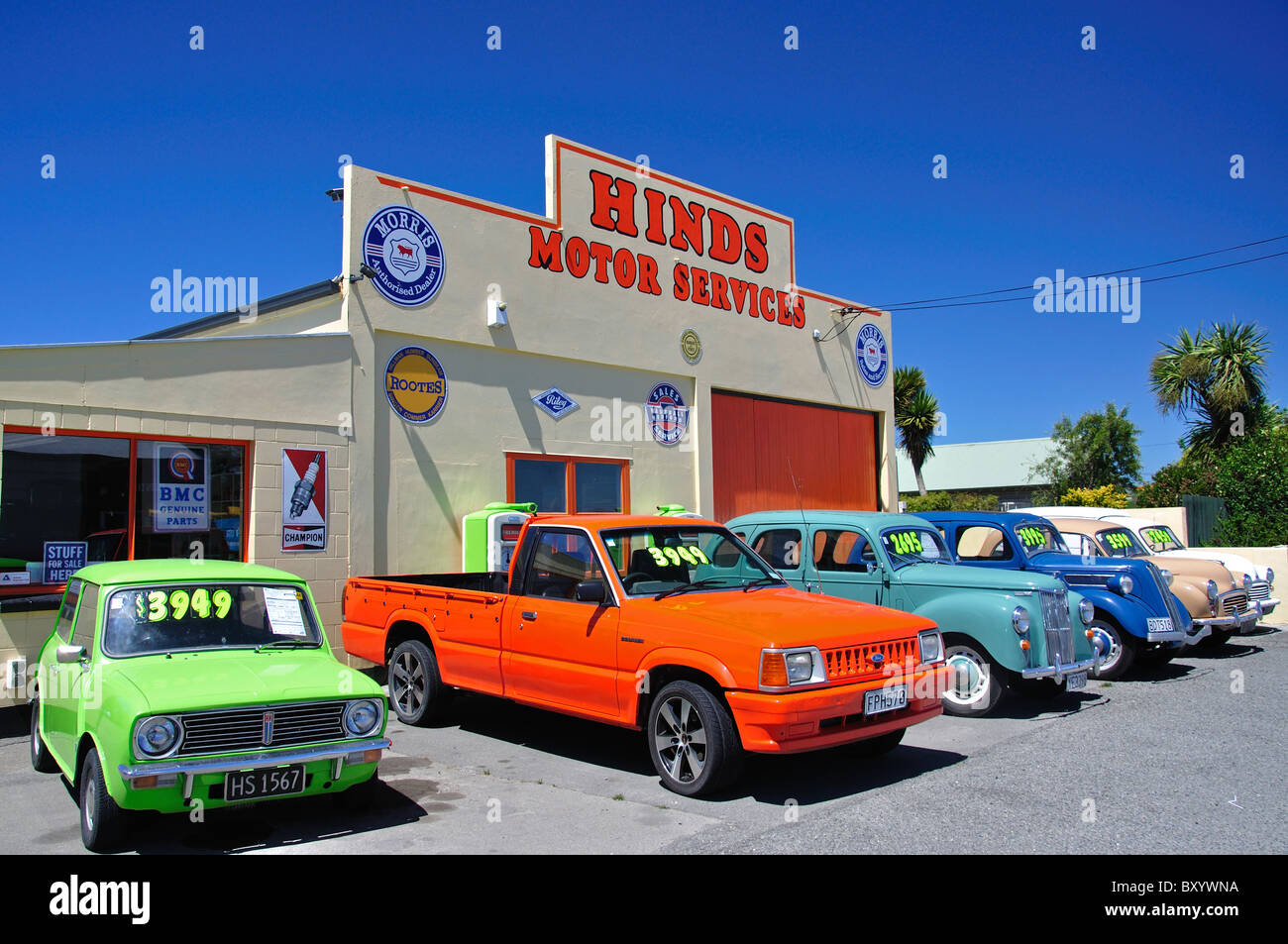 Vintage Cars For Sale Hinds Motor Services Main South Road Hinds Stock Photo Alamy