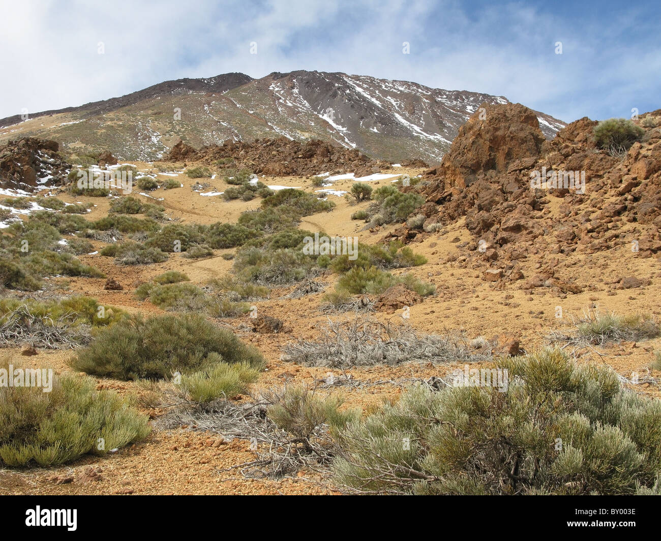 Looking up at Mount Teide from volcanic landscape, Tenerife, Islas Canarias (Canary Islands), Spain. - Stock Image