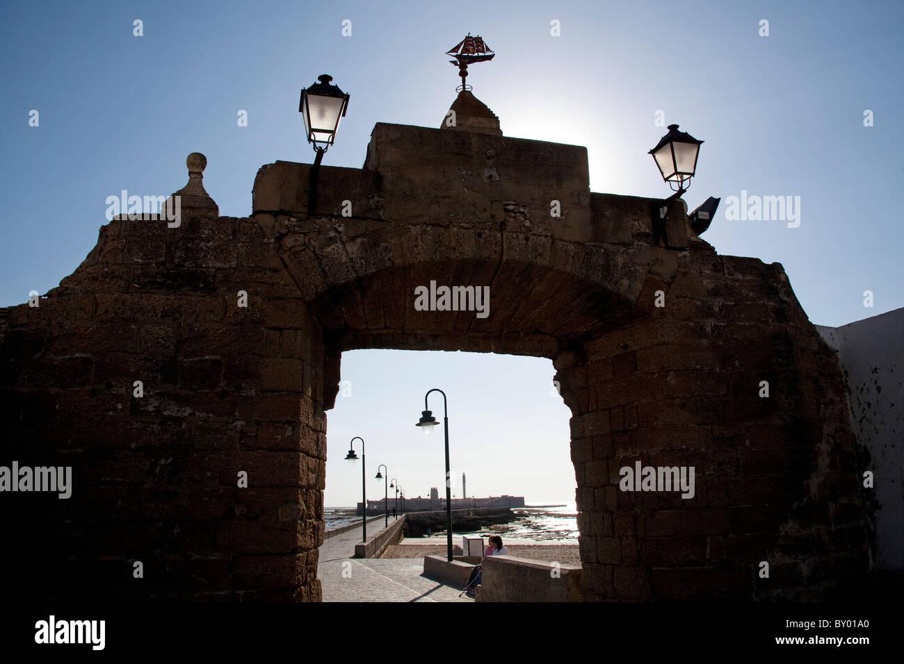 Puerta de La Caleta y Castillo de San Sebastian Cádiz Andalucía España Andalucía Cadiz - Stock Image