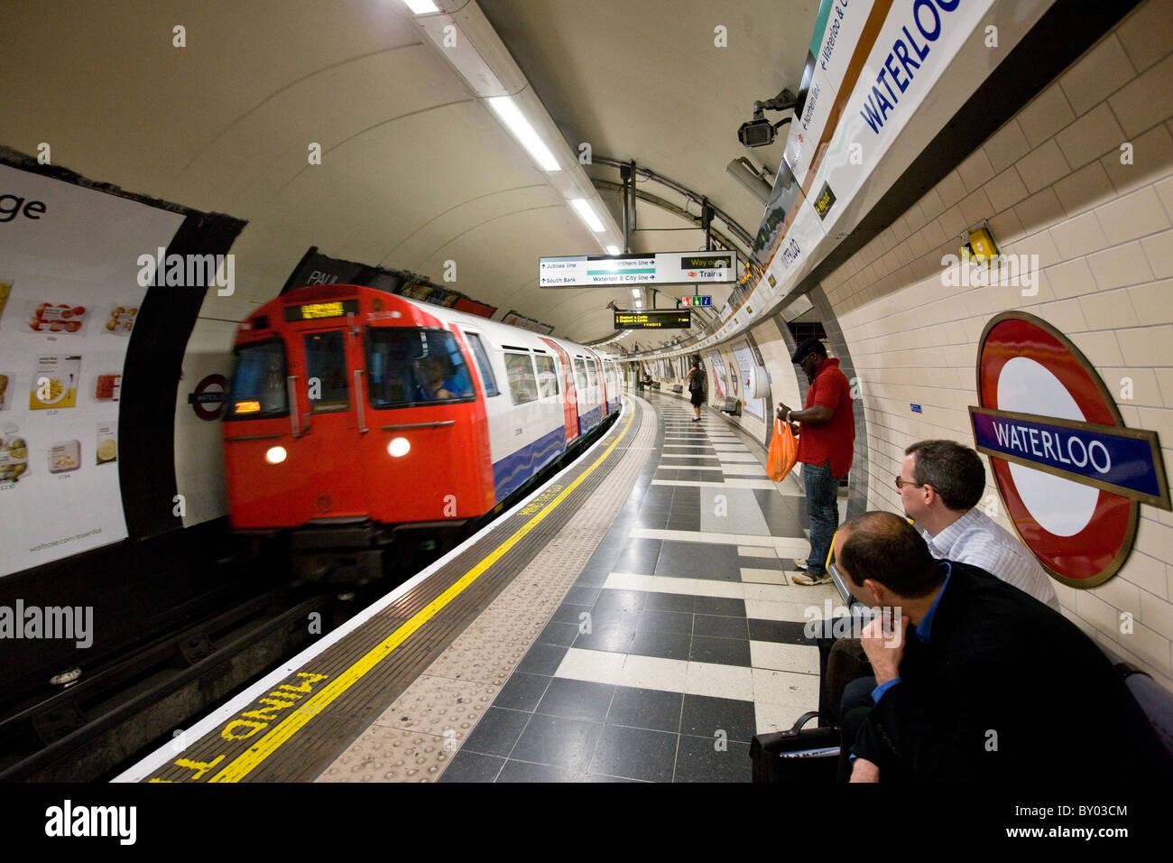 Underground at Waterloo tube station - Stock Image