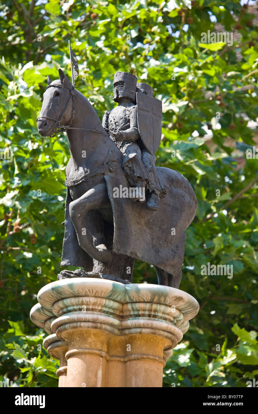 Knights on Horseback atop a column in front of the Temple Church in the Inns of Court - Stock Image