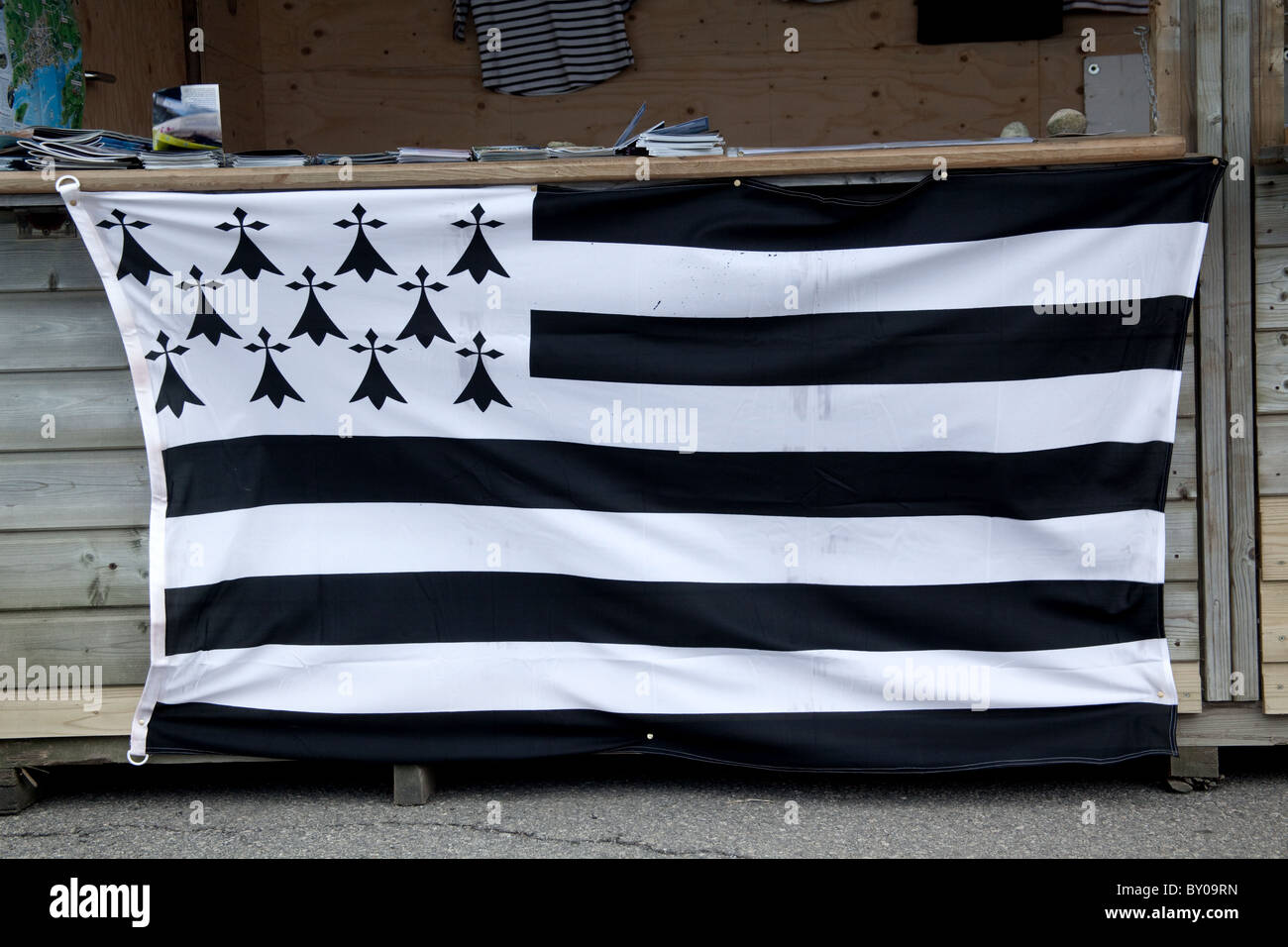the national flag of Brittany stapled to a booth in the Port of Brest Brittany France - Stock Image