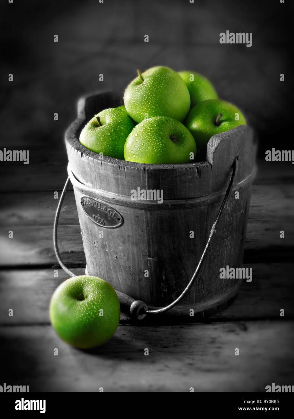 Fresh Granny Smiths apples - Stock Image