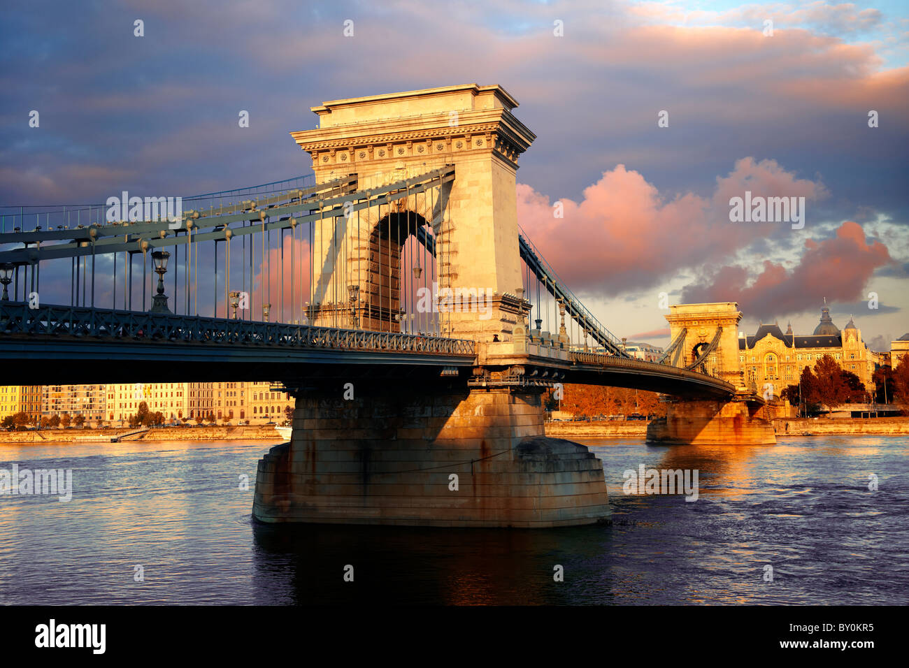 Szecheni Lanchid ( Chain Bridge ). Suspension bridge over the Danube betwen Buda & Pest. Budapest Hungary - Stock Image